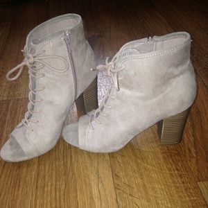 Madden Girl open toe lace booties size 8 1/2